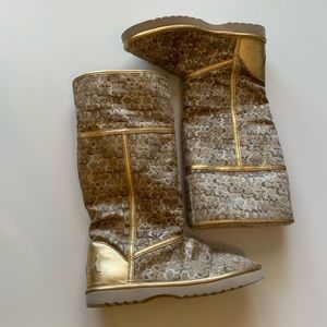 Coach Shoes - Women's Gold Sherpa Lined Coach Boots Nikole Sz 5